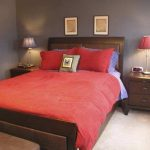 How To Arrange A Small Bedroom With A Queen Bed